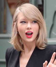 Getting 40 Best Taylor Swift HairStyles