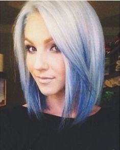 Short White to Blue Reverse Ombre Hair♡ - ombre Haar White Ombre Hair, Reverse Ombre Hair, Ombre Hair Color, Blonde And Blue Hair, Ash Ombre, Pastel Blonde, White Blonde, Purple Ombre, Angled Bob Haircuts