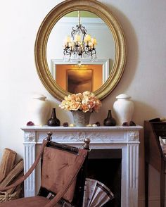 This MONUMENTAL #hudsonriverschool mirror adds an aura of history. The symmetrical arrangement of objects on the mantle brings order. JBx