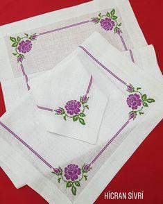 Mini Cross Stitch, Cross Stitch Flowers, Cross Stitch Designs, Cross Stitch Patterns, Pokemon Perler Beads, Crochet Bedspread, Crewel Embroidery, Bargello, Baby Knitting Patterns