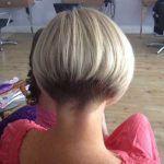 Beliebte Kurze-Stacked Frisuren