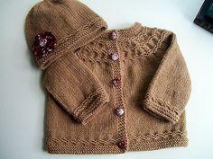 Seamless yoked baby sweater, free pattern.