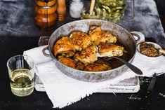 Egy finom Rozmaringos csirkecomb ebédre vagy vacsorára? Rozmaringos csirkecomb Receptek a Mindmegette.hu Recept gyűjteményében! Poached Chicken, Serving Size, Paella, Main Dishes, Bacon, Curry, Lunch, Apple, Wine