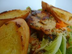 Czary w kuchni- prosto, smacznie, spektakularnie.: Rzymska sałata z filetem z kurczaka Salads, Meat, Chicken, Food, Beef, Meal, Essen, Hoods, Salad