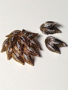 Vintage 1950s Gold Tone And Rhinestone Large Scale Leaves Brooch / Pendant And Earrings Set by pinkpoppyvintage on Etsy
