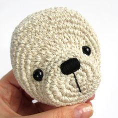 Tutorials - Teddy Bear nose - good for amigurumi Amigurumi Tutorial, Crochet Amigurumi, Crochet Bear, Cute Crochet, Amigurumi Patterns, Amigurumi Doll, Crochet Dolls, Crochet Patterns, Crochet Teddy Bear Pattern Free
