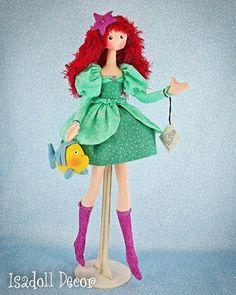 Princesas e figuras históricas se transformam em bonecas de pano | Fashionatto