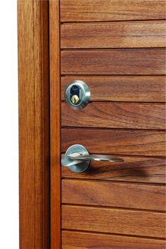 Arne Jacobsen handle, one of the standard choices for our Je-Trae entrance doors. http://www.olsenuk.com/products/entrance-doors/je-trae-contemporary
