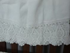 Linen bed skirt with hand made crochet lace !