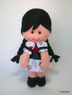 Maria Clara #artesanato #decor #handmade #feltro #maria #mariaclara #decoração #costura #boneca #molde #marrispe