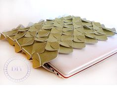 Anything that has to do with leaves, I heart! :)