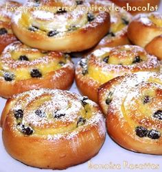 back pain manage Sweet Buns, Sweet Pie, Sweet Bread, Croissants, Chocolate Pepper, Nutella Crepes, Desserts With Biscuits, Cake Decorating Tips, Chocolate Desserts