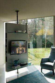Mueble de televisión moderno / giratorio / de madera MEDIACENTER by T.Colzani Porada