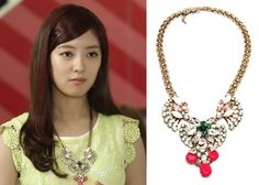 """Lee Se-Young in """"Trot Lovers"""" Episode 5.  Francis Kay Coppola Vintage Vivid Necklace #Kdrama #TrotLovers #트로트의연인 #LeeSeYoung #이세영"""