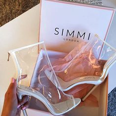 Unboxing these babes Last chance for 30% off with BLACKOUT Shoes: Gabrielle - £28.00 Shop: simmi.com #SIMMIGIRL