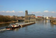 https://flic.kr/p/67VXAe | Elbdampfer + Dom | Elbe river + Magdeburg cathedral + cargo ship