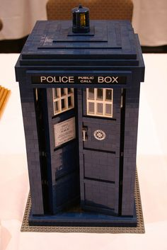 """Lego Doctor Who Police Box ....(previously """"Dr.Who Phone Booth"""") oh the awesomenesses of this! :) [be sure to make any corrections needed before pinning anything, otherwise you may get comments like the ones below.]"""