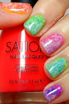 Summer fun with nails! Paint your nails with a base coat of your choice. Then dab a piece of crumpled saran wrap in a different nail polish. Apply to nails. Get Nails, Fancy Nails, Love Nails, How To Do Nails, Pretty Nails, Hair And Nails, Nail Polish Designs, Cute Nail Designs, Polish Nails