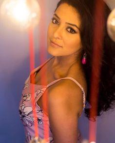 Oshin Sitaula 🌸 Nepali Actress Photographs MULTI-TALENTED SINGER TURNED ACTRESS SHIBANI DANDEKAR... PHOTO GALLERY  | 3.BP.BLOGSPOT.COM  #EDUCRATSWEB 2020-05-11 3.bp.blogspot.com https://3.bp.blogspot.com/-tf8x9wr24fk/WaF1xBeVYKI/AAAAAAAACCQ/JcllcizWbbc-7_OS4sVrdcEbGHSXfuCAQCLcBGAs/s320/shibanidandekar16.jpg