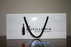 Si necesitas bolsas de papel impresas para botellas, Bolsapubli es tu mejor opción, te proporcionamos bolsas a medida. Contactenos