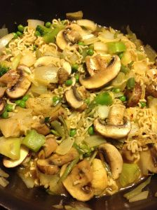 Easy Ramen Noodle Dinner----Love the idea of adding fresh mushrooms! Looks easy & yummy! I wonder if the kids will notice if I snag a couple packs of their Ramen? Ramen Noodle Recipes, Ramen Noodles, Garlic Noodles, Asian Noodles, Vegetarian Recipes, Cooking Recipes, Cooking Stuff, Cooking 101, Budget Recipes