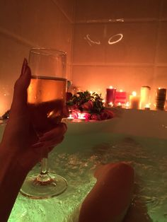 bath, candle, and champagne image Alycia Marie, Relaxing Bath, Love Is In The Air, In Vino Veritas, Just Relax, Home And Deco, Spa Day, Bath Time, No Time For Me