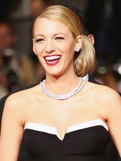 11 of Blake Lively's Best Blonde Moments via @byrdiebeauty