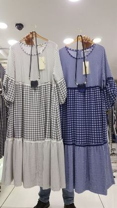 OK, possible with mens shirt fabric Abaya Fashion, Boho Fashion, Fashion Dresses, Kurta Designs Women, Blouse Designs, Patchwork Dress, Urban Dresses, Mode Hijab, Cotton Dresses