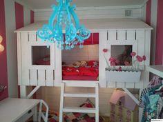 barnrum,barnsäng,koja,säng,barnlampa