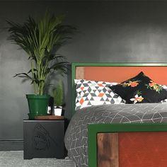 An inspirational image from Farrow and Ball Interior Walls, Interior And Exterior, Furniture Styles, Modern Furniture, Studio Green, Green Home Decor, Metallic Wallpaper, Interior Decorating, Interior Design