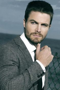 Stephen Amell aka Oliver Queen aka Arrow on the CW - hello gorgeous man! Shoulda been Christian Grey! Green Arrow, Hot Actors, Actors & Actresses, Ryan Reynolds, New Girl, Oliver Queen Arrow, Stephen Amell Arrow, Soprano, The Vampire Diaries