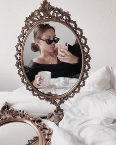 Glam Mirror, Mirror Pic, Mirror Selfies, Classy Aesthetic, Brown Aesthetic, Fashion Photography Poses, Girl Photography, Selfi Tumblr, I Sleep All Day
