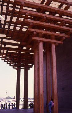 japan pavillion, expo 92, sevilla, spain, arch. tadao ando - ©@gostinho Timber Buildings, Timber Architecture, Asian Architecture, Contemporary Architecture, Tadao Ando, Japanese Buildings, Bridge Construction, Assemblages Bois, Building Skin