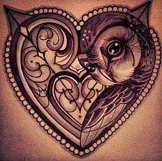 Tatuagem de coração e coruja