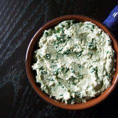 Vegan spinach artichoke dip