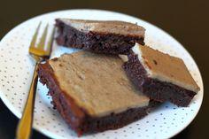 Deze variatie op de klassieke brownie heeft een heerlijk bananenlaagje dat heel goed bij de rijke chocoladesmaak eronder past.