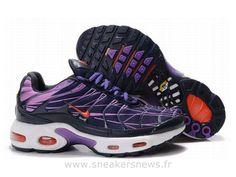 pretty nice 2da5c 86df7 Chaussures de Nike Air Max Tn Requin Homme Noir Violet et Rouge Basket Tn  Requin Homme Pas Cher