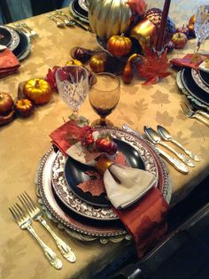 Thanksgiving warmth. Love Spode Woodlands for Fall!!