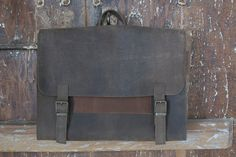 Men's leather satchel bag