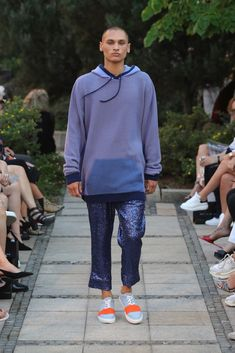Male Fashion Trends: Marcel Ostertag Spring-Summer 2019 - Berlin Fashion Week Marcel, Male Fashion, Fashion Trends, Berlin Fashion, Spring Summer, Sweatshirts, Sweaters, Jackets, Moda Masculina