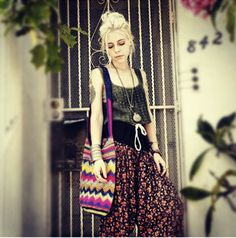 Madeline of Jean Greige gets her hippie on with the #Stela9 #crochet #beachbag