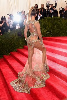 Beyoncé in Givenchy Couture Gown at 2015 Met Gala in New York City