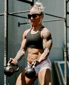Fashion Kids, Shredded Body, Fitness Motivation Pictures, Gym Motivation, Muscular Women, Strong Girls, Muscle Girls, Fit Chicks, Sport