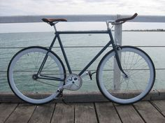 FixedGearRepublic.com - Fixed gear bike with bullhorns. #fixedgear