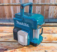 Ultra-Rugged Job Site Coffee Maker Runs On Power Tool Batteries Power Tool Batteries, Power Tools, Survival Gadgets, Survival Gear, Coffee Grain, Portable Coffee Maker, Hobby Desk, Makita Tools, Battery Tools