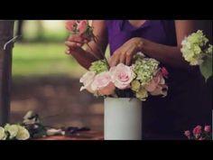 E7 Como hacer un arreglo de rosas y hortensias Escuela floral LA VIOLETERA - YouTube