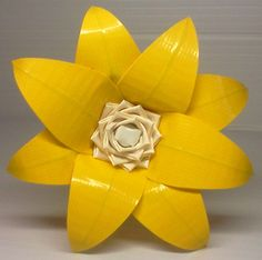 Duct Tape Flower Pen - Lily - Yellow/White