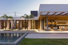 Galeria de Anexo de Lazer / CAWY Arquitetura + Carolina Ferraz + Danilo Keila - 12