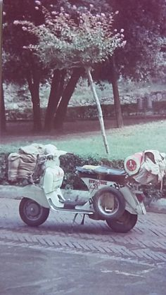 Vespa 125 TS. Italy travelling in 1983