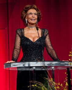 Sophia Loren Inspires Women to Be Sexy and Age Gracefully